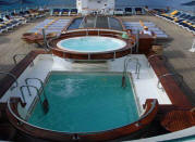 Single Balconies/Suites Windstar Cruises - Wind Star Deck pool 2018