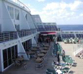 7 Seas Cruises Luxury Cruise Queen Mary 2 qm2