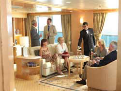 7 Seas LUXURY Cruise Cunard Cruise Queen Mary 2 qm 2 Q1 Queens Grill Stateroom