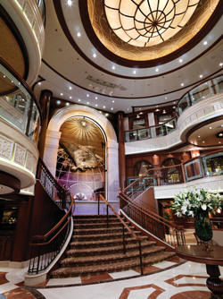 7 Seas LUXURY Cruise Cunard Cruise Queen Mary 2 qm 2 Grand Lobby