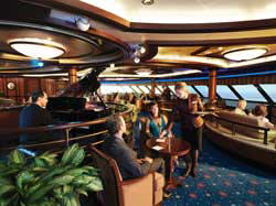 Luxury Cunnard Queen Mary 2 qm 2 Commodore Club