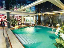 LUXURY CRUISES - Penthouse, Veranda, Balconies, Windows and Suites Cunard Cruise Queen Mary 2 qm 2 Cunard Royal Spa
