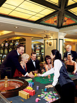 Luxury Cunnard Queen Mary 2 qm 2 Empire Casino
