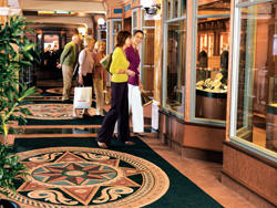 Luxury Cunnard Queen Mary 2 qm 2 Royal Shopping Arcade