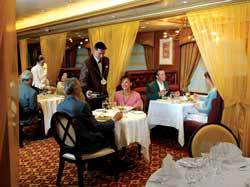 7 Seas LUXURY Cruise Cunard Cruise Queen Mary 2 qm 2 Todd English Restaurant