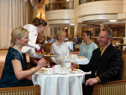 7 Seas LUXURY Cruise Cunard Cruise Queen Mary 2 qm 2 Afternoon Tea