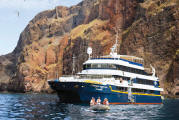 LUXURY CRUISE - Balconies-Suites Lindblad Cruises National Geographic Cruise 2019