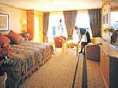 Luxury Queen Elizabeth 2 Cunard