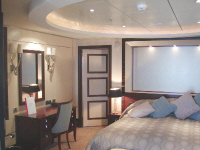 LUXURY CRUISES Around The World Queen Mary 2 LUXURY CRUISES Around The World Cunard Cruises 2020/2016