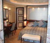 7 Seas Cruises Luxury Queen Mary 2 Luxury Deluxe